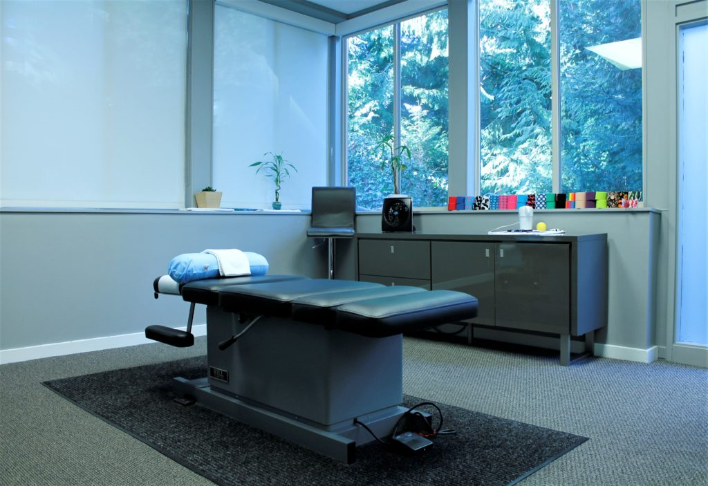 Bellevue Velo Sports Rehab chiropractic/physical therapy treatment room